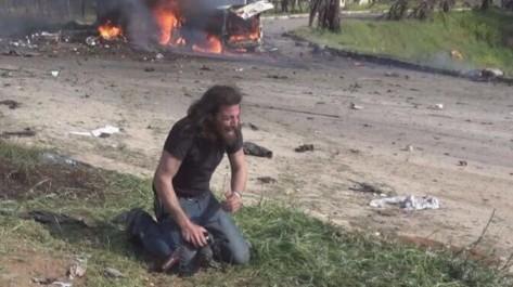 Le cliché bouleversant de ce photographe en larmes sur les lieux du carnage syrien