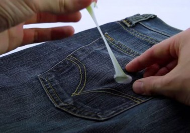 Comment détacher un chewing-gum collé sur un vêtement ?