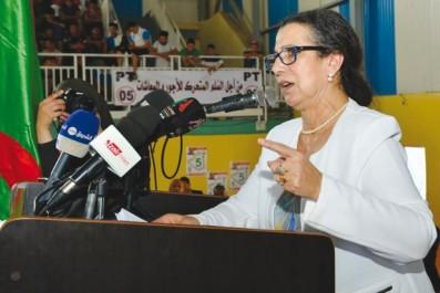 Elle les accuse de «financer leurs listes avec l'argent volé»: Hanoune dénonce les partis de la majorité