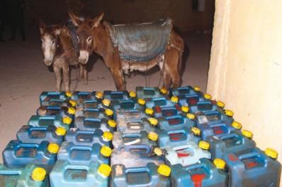 660 000 Véhicules tunisiens et marocains roulent  à l'essence et au gasoil algériens :  Trafic des carburants : saignée aux frontières