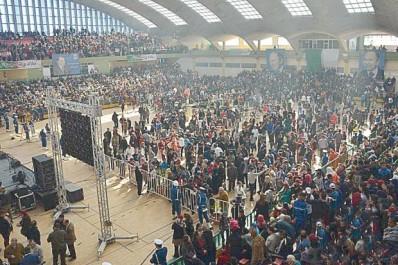 Meetings électoraux à Oran: Une ambiance de vuvuzela et de karkabou
