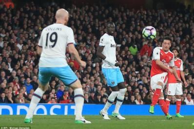 PL, 31e j. : Nouvelle défaite de West Ham face à Arsenal. Feghouli ne joue pas
