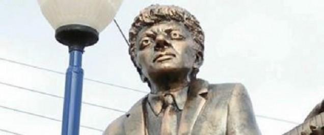 La statue de Lounès Matoub fait polémique