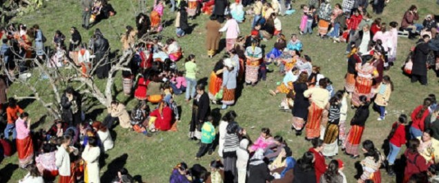 L'artiste photographe Maya-Ines Touam va à la rencontre des femmes Kabyles de Tizi Ouzou