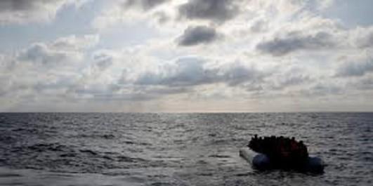 Près de 100 migrants portés disparus au large de la Libye