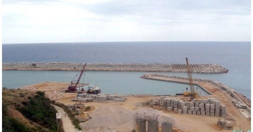 Projet du port d'El Hamdania: déclaration d'utilité publique des terrains (JO)