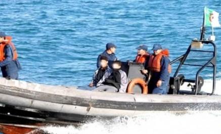 Naufrage de migrants en Méditerranée: onze morts et plus de 230 disparus