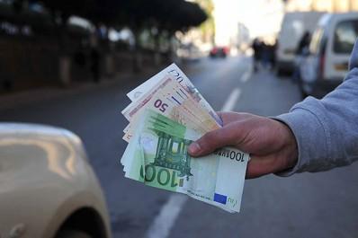 Un euro à 190 DA au Square!