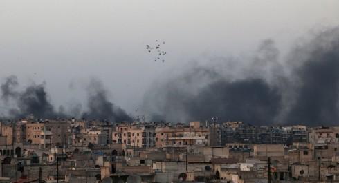 Al-Nosra et Daech déploient des armes chimiques dans des quartiers résidentiels en Syrie
