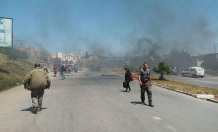 Béjaïa: Des citoyens en colère ferment la RN 26 au niveau d'El-Kseur