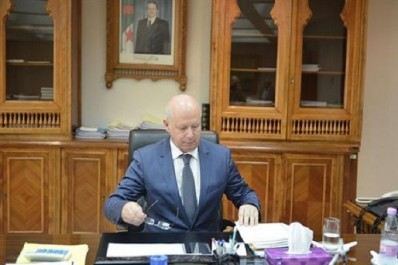 Le nouveau ministre des Finances, Abderrahmane Raouia, prend ses fonctions