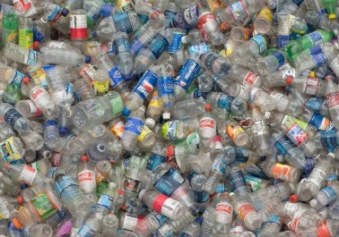 Algérie:Le chercheur Said Bouhalal met au point une technique de régénération des déchets en plastique