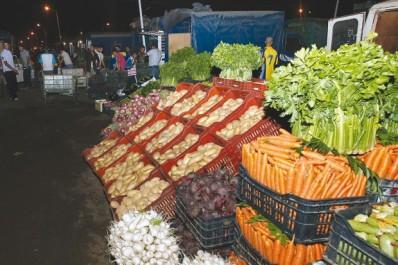 Blida: Stabilité des prix des fruits et légumes au marché de gros de Bougara