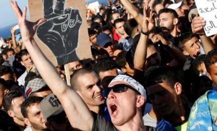 Maroc: le makhzen coupe internet à al-hoceima, le leader du mouvement arrêté