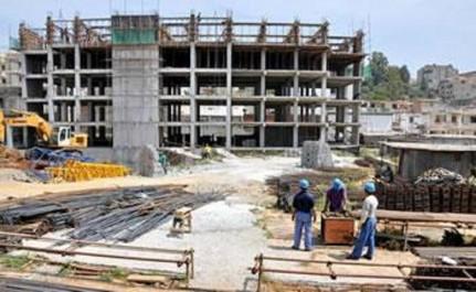 Des chantiers  à l'arrêt et des milliers d'emplois menacés: Rien ne va dans le bâtiment