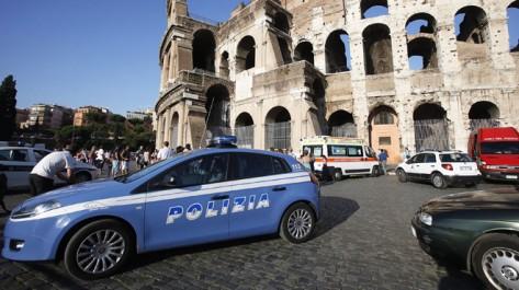 Italie : une explosion d'un colis piégé devant un bureau de poste à rome