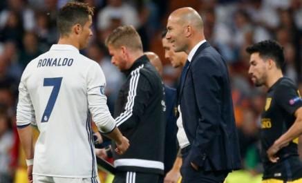C. ronaldo tout proche de son cinquième ballon d'or selon zidane