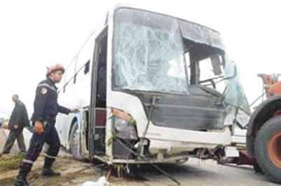 Collision entre un véhicule touristique et un camion: Trois morts dans un accident de la circulation à Djelfa