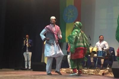 Elle s'est produite lundi à la maison de la culture: « Ali Zaamoum »  La « Destino Dance Compagnie », enchante Bouira