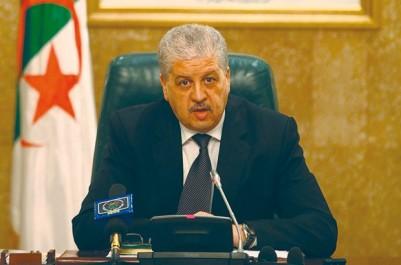 L'actuel exécutif devrait déposer sa démission cet après-midi: Les chefs de parti restent ministrables