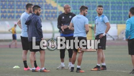JSK : Moussouni : «On n'a pas  d'autre choix  que de  gagner  le match du RCR»