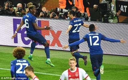 Man United sauve sa saison en remportant l'Europa League face à l'Ajax !