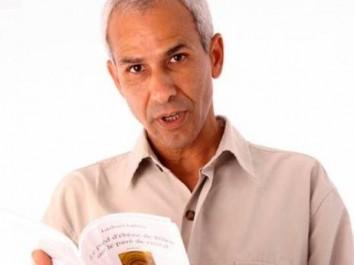 Lazhari Labter, écrivain – journaliste: «La décennie noire a poussé l'élite au repli sur soi»