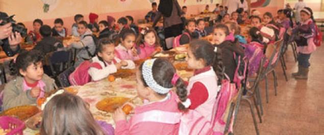 Intoxications alimentaires: Appels à établir un cahier de charges pour régir les activités des cantines scolaires