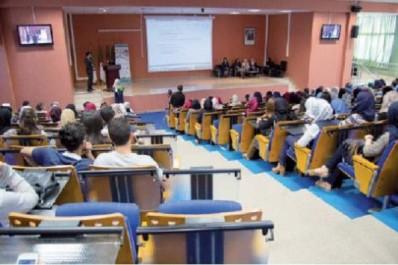 Université d'Oran : les étudiants en pharmacie organisent une journée scientifique