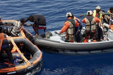 Sauvetage de 11 harraga, dont une femme et ses 2 enfants, au large de Beni Saf