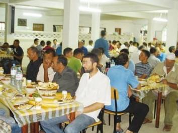 Croissant-Rouge algérien à Souk Ahras : plus de 6.000 repas servis au f'tour aux familles nécessiteuses