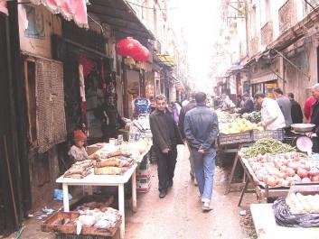 Lutte contre le commerce informel à Bir El-Djir: 12 millions de DA pour la rénovation du marché couvert de Sidi El-Bachir