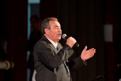 Lors de son concert à Bouira:  Quand Akli Yahiatène chante Ammi et émeut le public