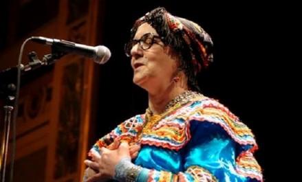 La diva de la chanson Kabyle Nouara réjouit les malades du CHU de Tizi-Ouzou