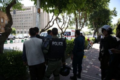 Iran : l'EI revendique une double attaque à Téhéran, au Parlement et au mausolée de Khomeyni
