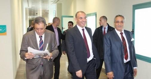 Le ministre des Travaux publics effectue une visite de travail et d'inspection au port d'Alger et au centre de maintenance des automotrices