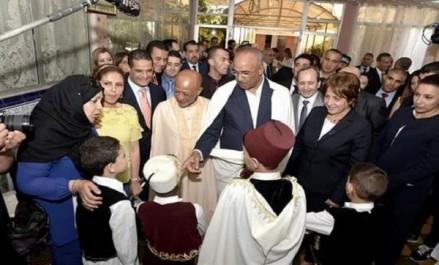 Des ministres partagent la joie de l'Aïd el Fitr avec les enfants malades et les résidents de Diar-Errahma