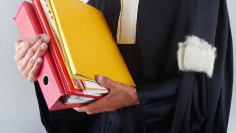 Étrangers non admis sur le territoire français: Polémique autour d'un tribunal à Roissy