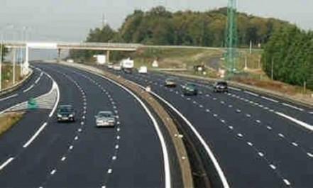 Les projets routiers et de transport y sont en cours d'achèvement:  Alger se refait la toilette