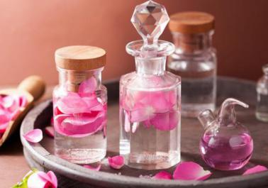 Les bienfaits de l'eau de rose pour la partie intime (+ recette éclaircissante)