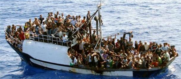 Migrants : l'Italie menace de bloquer l'accès à ses ports