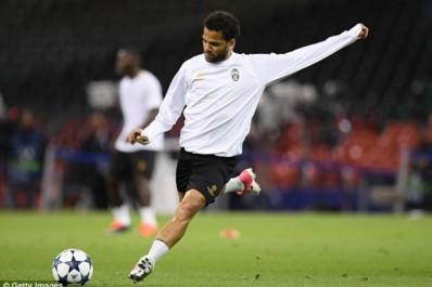 Juventus : Dani Alves officialise son départ et s'excuse