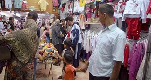 Course contre la montre pour l'achat des vêtements de l'Aid: Les boutiques virtuelles, les magasins chics, le made in China et la friperie