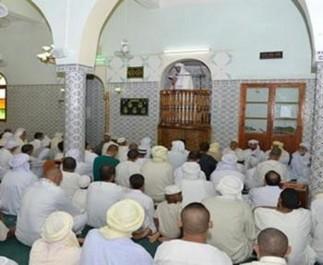 Ils marchandent la prière des tarawih avec  le parking, la clim et les imams étrangers: Les fidèles de luxe