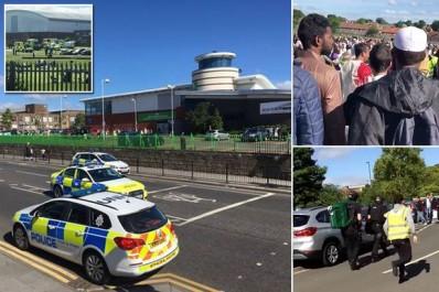 Grande Bretagne: Une voiture fonce sur la foule à la sortie d'une mosquée à Newcastle (Vidéo)