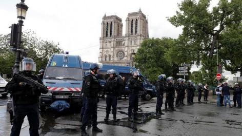 Le terroriste de Notre-Dame de Paris était journaliste à El Watan pendant plus d'un an