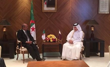 Le ministre qatari des Affaires étrangères reçu par Abdelkader Messahel à Alger