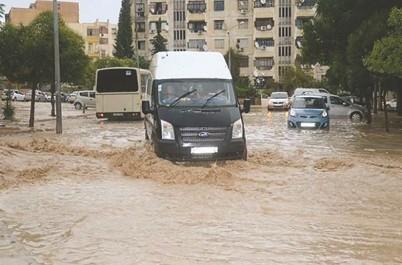 Intempéries à Constantine et Oum El-Bouaghi: Routes coupées et maisons inondées