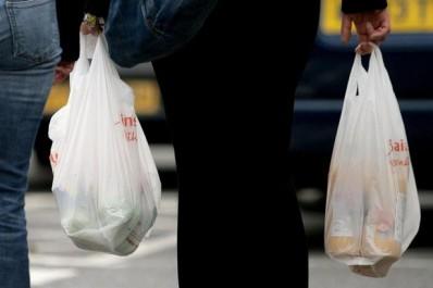 Sachets en plastique: Le casse-tête environnemental du gouvernement