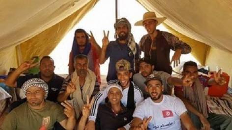 La Tunisie des sit-in : Des jeunes ferment les vannes d'un pipeline à Bou Lahbal